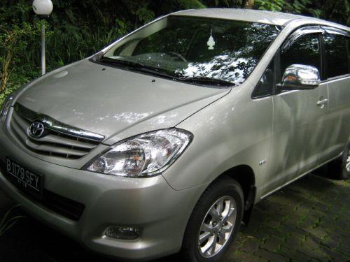 Sewa Mobil Innova Jakarta